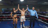 """Ernesto Salcedo lució en la Función de Box, """"Rendirse Jamás"""" de LC Promotions"""