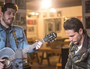 ¡Me entrego!   El lado más romántico de Juan Solo y Kurt.